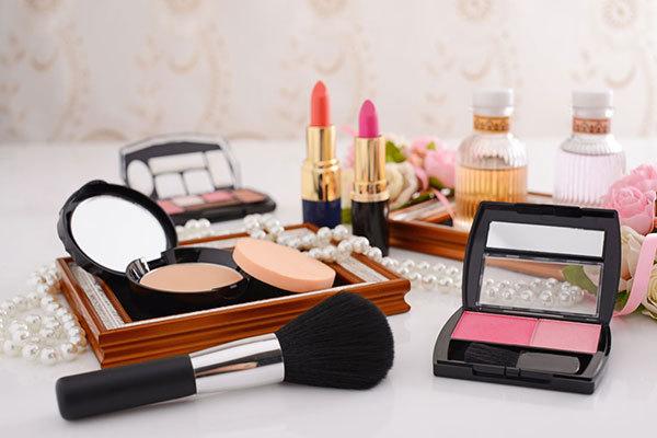 如何成功投资化妆品加盟店